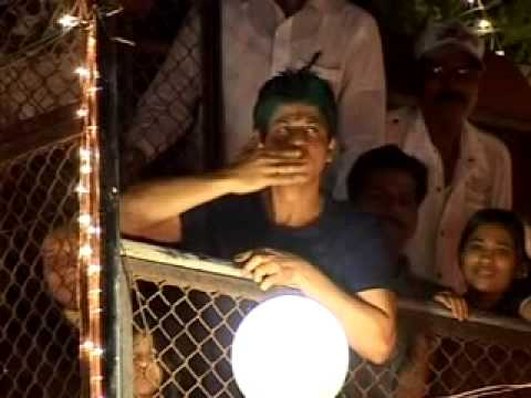 Shah Rukh Khans Diwali Cele Tion