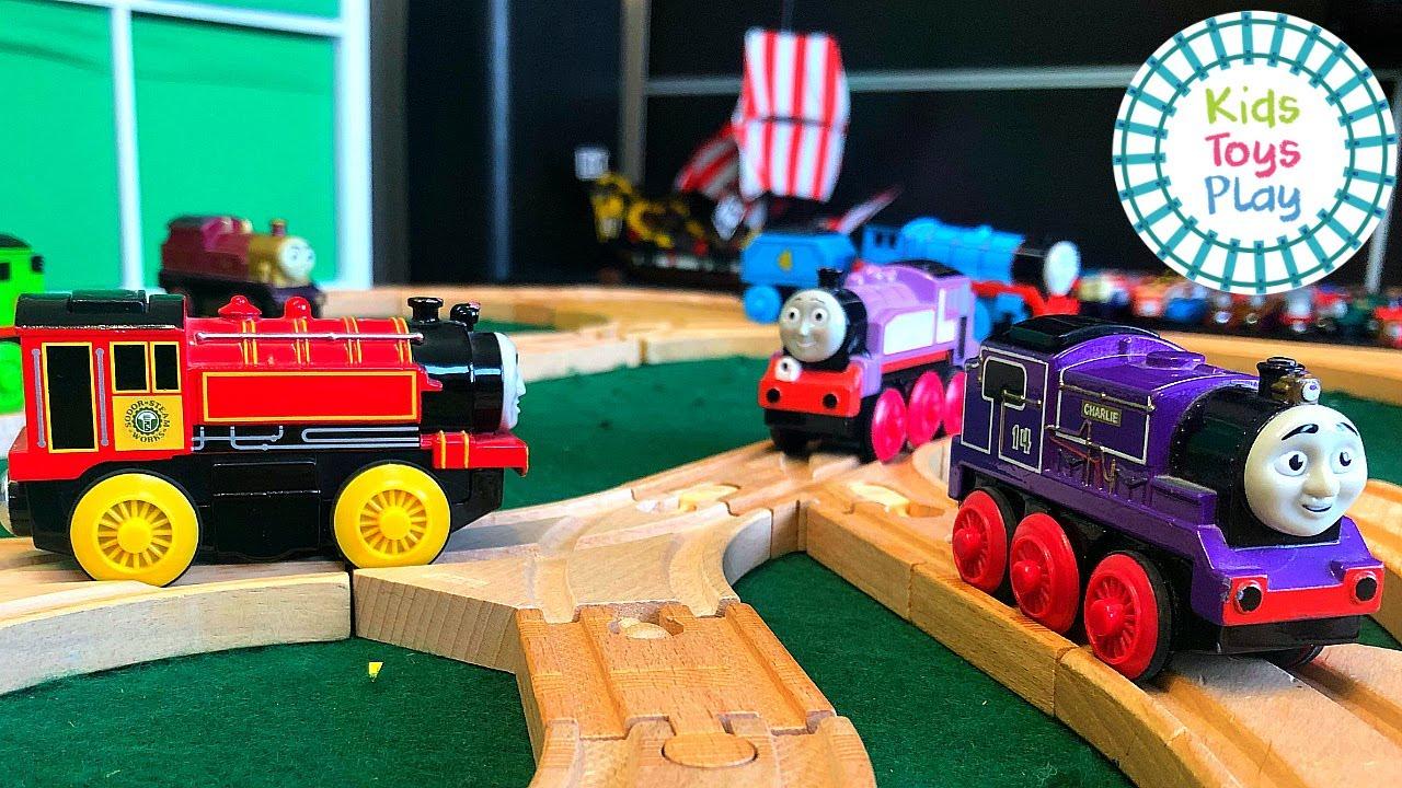 Thomas the Train Wooden Railway Track Build