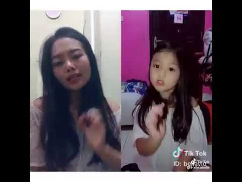 Sosok Viral Gadis Cantik dan Adik Cilik Lagi Syantik