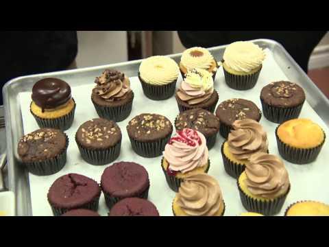 Ottawa Eats S6 EP68 - V's Cupcakes