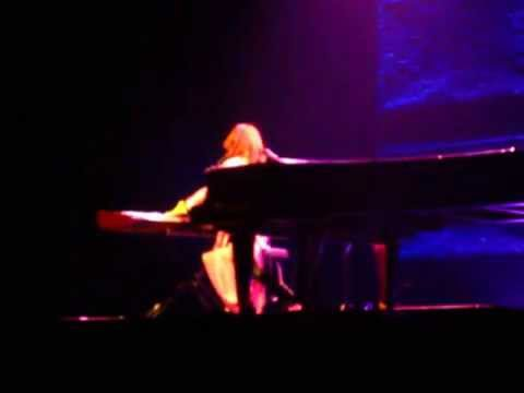 Tori Amos - Happy Phantom, Live in St Louis 8/1/2014