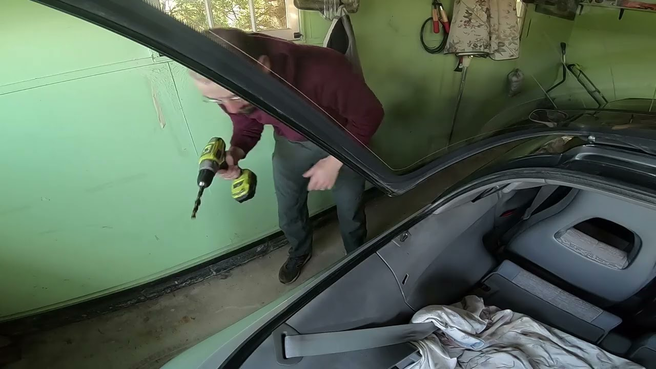 How to Replace Sera Rear Hatch Struts in the USA