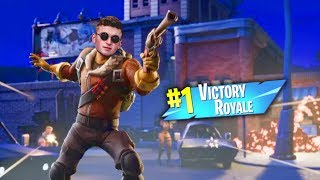 Getting VICTORY ROYALE'S On Fortnite! (Infinite Lists Live)