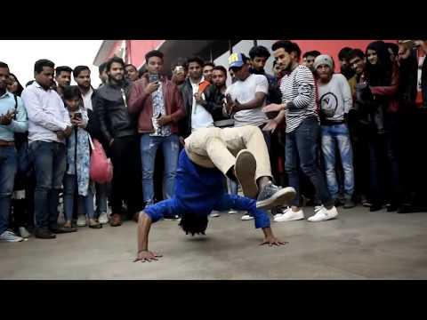 Delhi Street Dancers Vs The Nameless Crew Delhi University Dance Metro station Dance