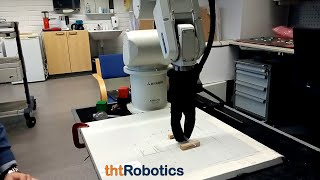 Adaptive Robotic Gripper. Grasping pipette