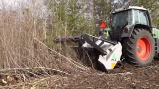 FAE UMM/S - mulczer leśny podczas oczyszczania terenu pod linią energetyczną