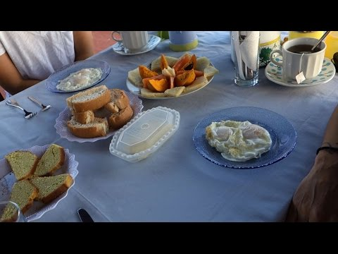 A Rooftop Breakfast in Viñales