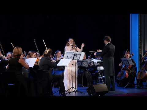 Губернаторский симфонический оркестр Санкт-Петербурга и Елена Коломийцева