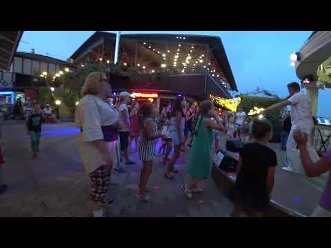 Дагомыс дискотека на муниципальном пляже.