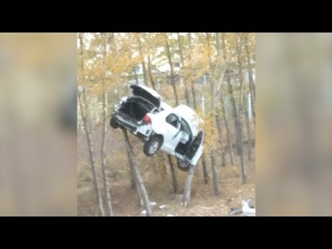 Speeding SUV Runs into Trees in northeast China