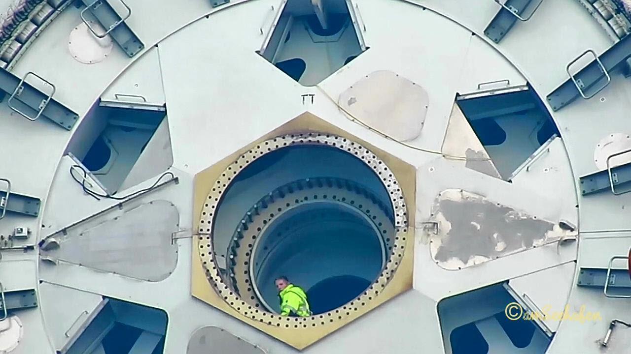 e 126 e126 enercon arbeiten an windkraftanlage wind turbine being worked at emden wybelsum youtube. Black Bedroom Furniture Sets. Home Design Ideas