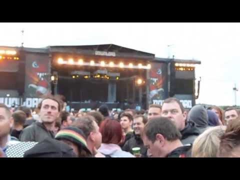 Iron Maiden - Spitfire gets crowd by surprise!!! - Donington, Download Festival 2013!