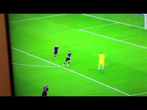 Robin Van Persie Goal - Iker Casillas HUGE Mistake Spain vs netherlands
