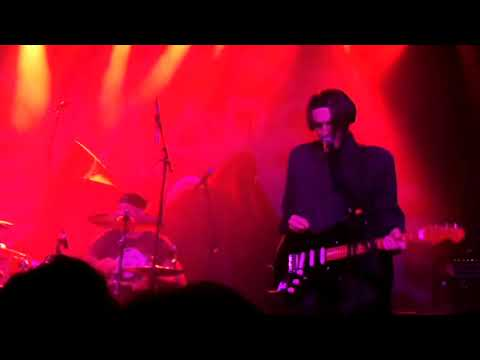 Chad Smith, Josh Klinghoffer, Duff McKagan, Mike McCready – Jeepster (T.Rex Cover) (10/05/2019)