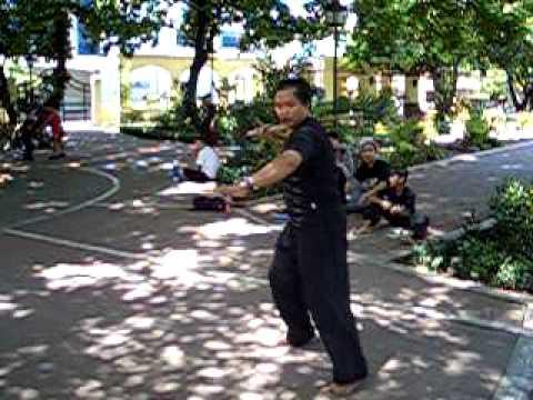 Jendo 5sc. Lapunti Arnis De Abanico - Triangular foot work Luzon