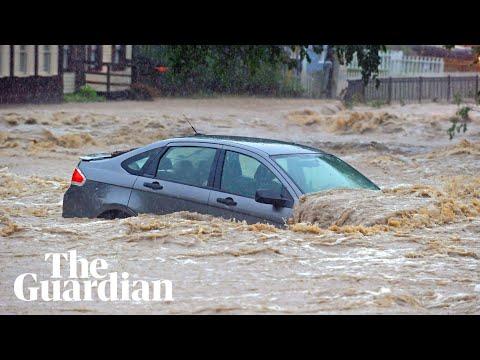 Flash floods in Maryland leaves main street underwater