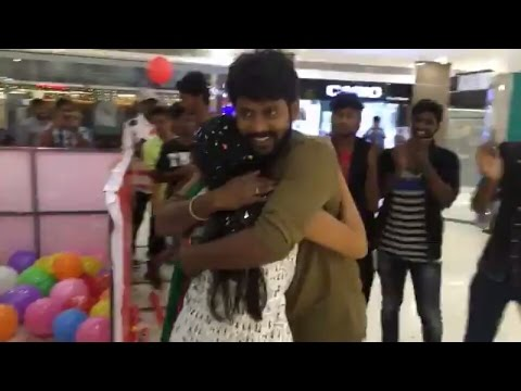 Rio Raj's Surprise To His Fiance Sruthi | Flash MobDance | Birthday Celebration In A Mall