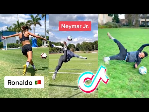 10 Minutes of Hilarious Football TikToks (Soccer)