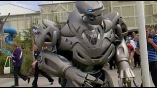 Titan the Robot punches drunk guy. Butlins Bognor 2010. thumbnail