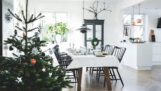 4 Scandinavian Homes + Christmas Decorations �
