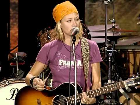 Shelby Lynne - 10 Rocks (Live at Farm Aid 2006)
