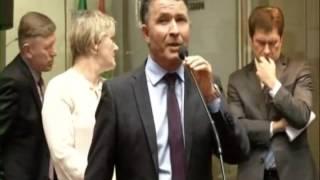 Deputados derrubam três mensagens de veto e admitem duas PECs