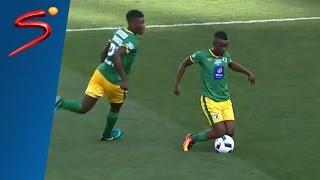 لاعب إفريقي ينال البطاقة الصفراء بسبب مراوغة غريبة
