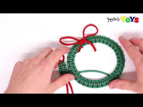 How to Make a Paracord Christmas Wreath