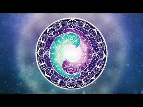 Gayatri Mantra (108 peaceful chants) by Julia Elena & Yvonne Lamberty // Mantras of Joy