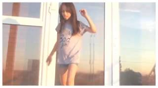 Музыкальный клип Charli XCX -MOMENTS IN LOVE