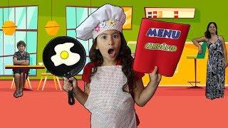 Maria Clara e JP brincando de restaurante com a mamãe ♥  Mama and kids playing in cafe