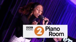 Alexandra Burke Hallelujah Leonard Cohen cover, Radio 2 39 s Piano Room.mp3