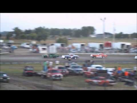 8/22/13 Hobby Stock Heat race at Sheyenne River Speedway