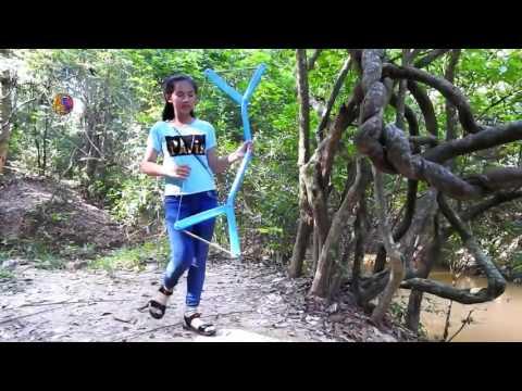 Amazing Girl Uses PVC Pipe Compound BowFishing To Shoot Fish  Khmer Fishing At Siem Reap Cambodia