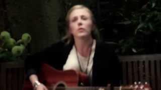 """""""Octobre"""" - Chanson de Francis CABREL interprétée par ESKELINA"""