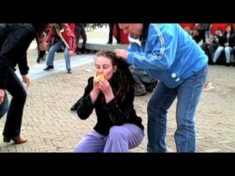 Orangutan flashmob takes over Amsterdam Square