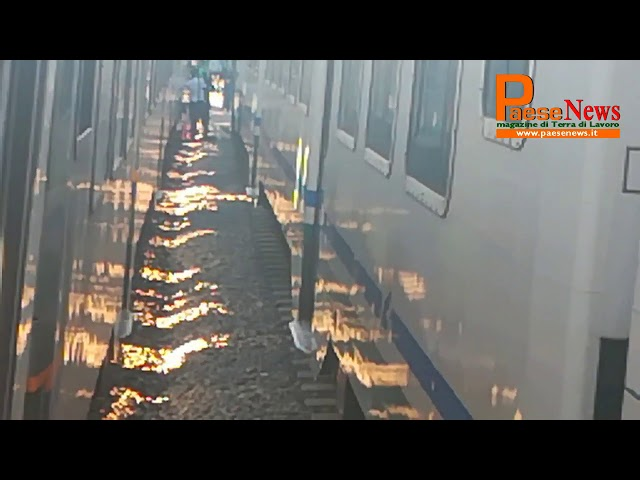 treni bloccati villa literno trasbordo passeggeri