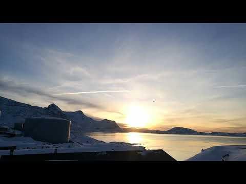 Nuuk morning january 23 2018, dash 8 approaching destination.