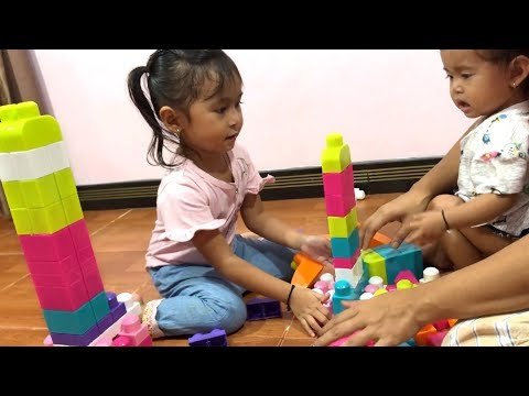 Balita Unboxing Mega Blocks Membuat tower Mainan - Lego Bricks Learning Building
