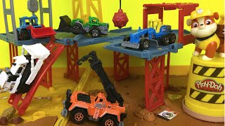 PlayDoh Play Matchbox construction zone 5 pack mighty machines at folding construction job site