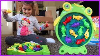 Balık Tutma Oyunu Oynuyoruz, Kocaman Balıkları Tutuyoruz l Eğlenceli Çocuk Videosu