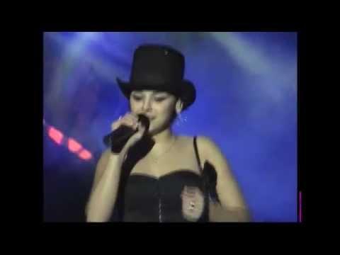 Vallduxo Chenoa   Soy Mujer 16 10 2004