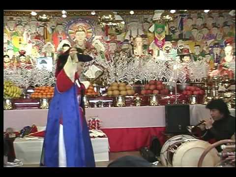 Korean Shaman (Mudang 무당) - Objects of Worship: Material Culture in Korean Shamanism (musok )