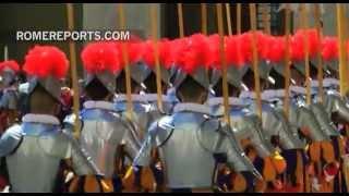 Juran los nuevos reclutas de la Guardia Suiza | Vaticano | Rome Reports