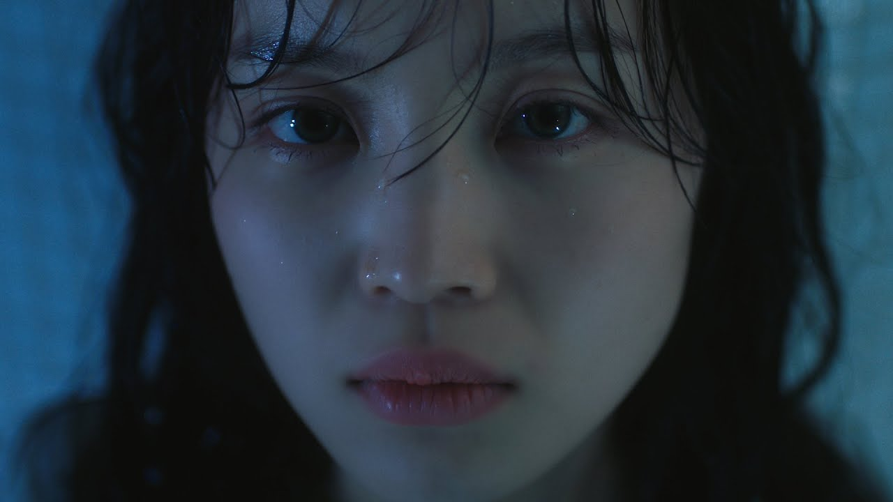 LEE HI - HOLO Official Music Video (ENG)