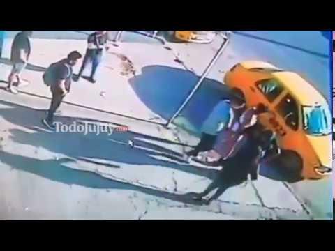 Una mujer fue golpeada por su ex en plena calle y dice que vive con miedo que la mate