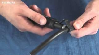 Инструмент для удаления оболочки Knipex KN-1630135SB(Демонстрация работы кабельного стриппера Knipex. Подробнее: http://shop.nag.ru/catalog/02331.Instrument/06723.Knipex/06709.KN-1630135SB., 2011-07-27T10:23:16.000Z)
