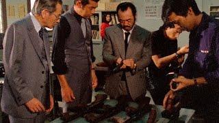銀行強盗事件のため張られた検問所に、思わぬ獲物が引っかかった。大量...