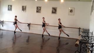Экзамен классического танца(мужcкой класс, ГИТИС, 2 курс) профессор Валукин Е.П.