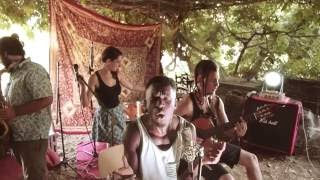 Download Mp3 Walking On The Moon  Reggae Cover  - Koers Live Sessions